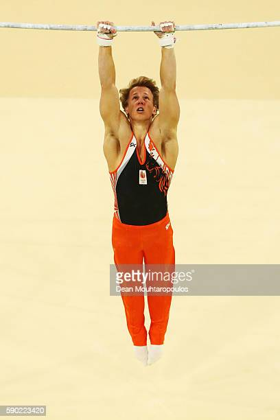 Epke Zonderland of the Netherlands competes on the Horizontal Bar Final on Day 11 of the Rio 2016 Olympic Games at the Rio Olympic Arena on August 16...