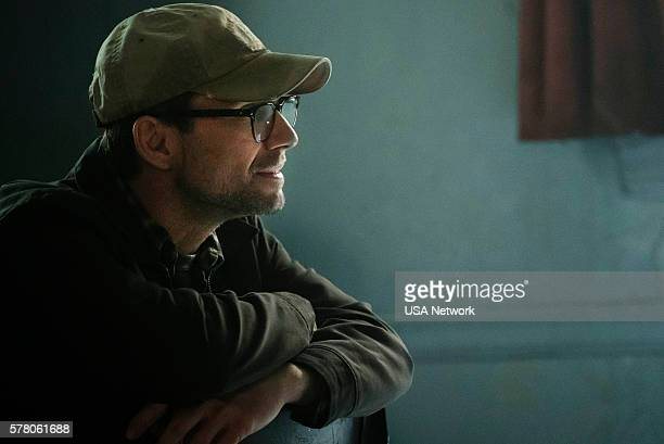 MR ROBOT 'eps22_init_1asec' Episode 204 Pictured Christian Slater as Mr Robot
