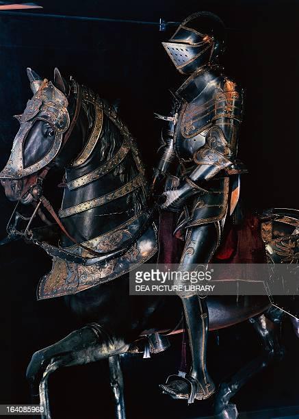 Equestrian armour of Francis I by the Austrian master armourer Konrad Seusenhofer Paris Musée De L'Armée