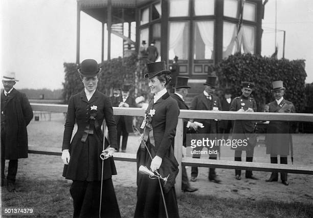 Equestrian sport Participants of the Concours hippique at the harness racing track in Berlin Ruhleben 1907