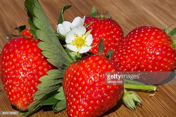 Dekoration stock photos and pictures getty images for Dekoration erdbeeren