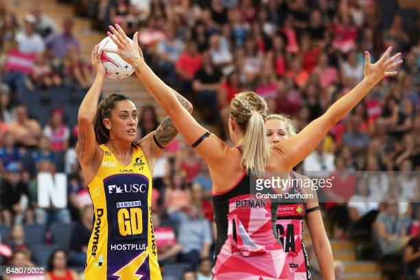 Erena Mikaere of the Lightning looks to pass during the round three Super Netball match between the Thunderbirds and the Lightning at Priceline...