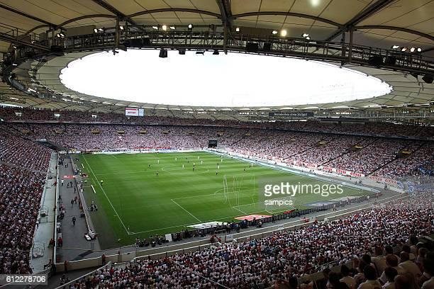 Eröffnung nach dem Umbau das Stuttgarter Stadion benannt in MercedesBenz Arena Stuttgart ausverkauft fur das Spiel Fussball 1 Bundesliga Saiosn 2011...