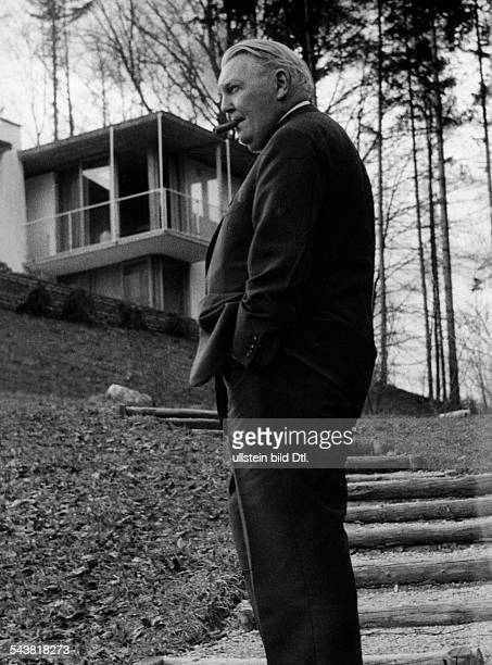 Erhardt Ludwig Politician CDU Germany*04021897Federal Minister of Economy 19491963in front of his house on the Ackerberg in Gmund Tegernsee February...