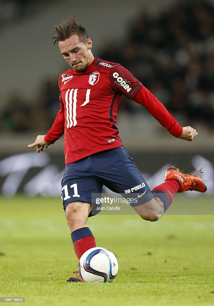 Eric Bautheac of Lille in action during the French Ligue 1 match between Lille OSC (LOSC) and AS Saint-Etienne (ASSE) at Stade Pierre Mauroy on December 2, 2015 in Lille, France.