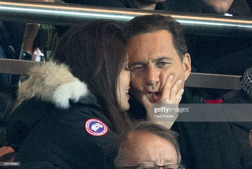 celebrities at paris saint germain fc v ogc nice ligue 1 getty images. Black Bedroom Furniture Sets. Home Design Ideas