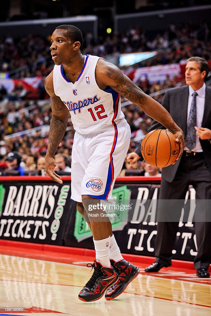 Eric Bledsoe #12 of the Los Angeles Clippers controls the ball against the Washington Wizards at Staples Center on January 19, 2013 in Los Angeles, California.