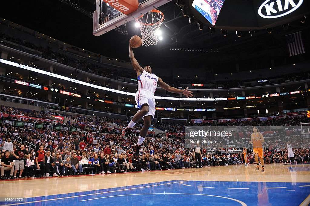 Eric Bledsoe #12 of the Los Angeles Clippers dunks the ball against the Phoenix Suns at Staples Center on December 8, 2012 in Los Angeles, California.