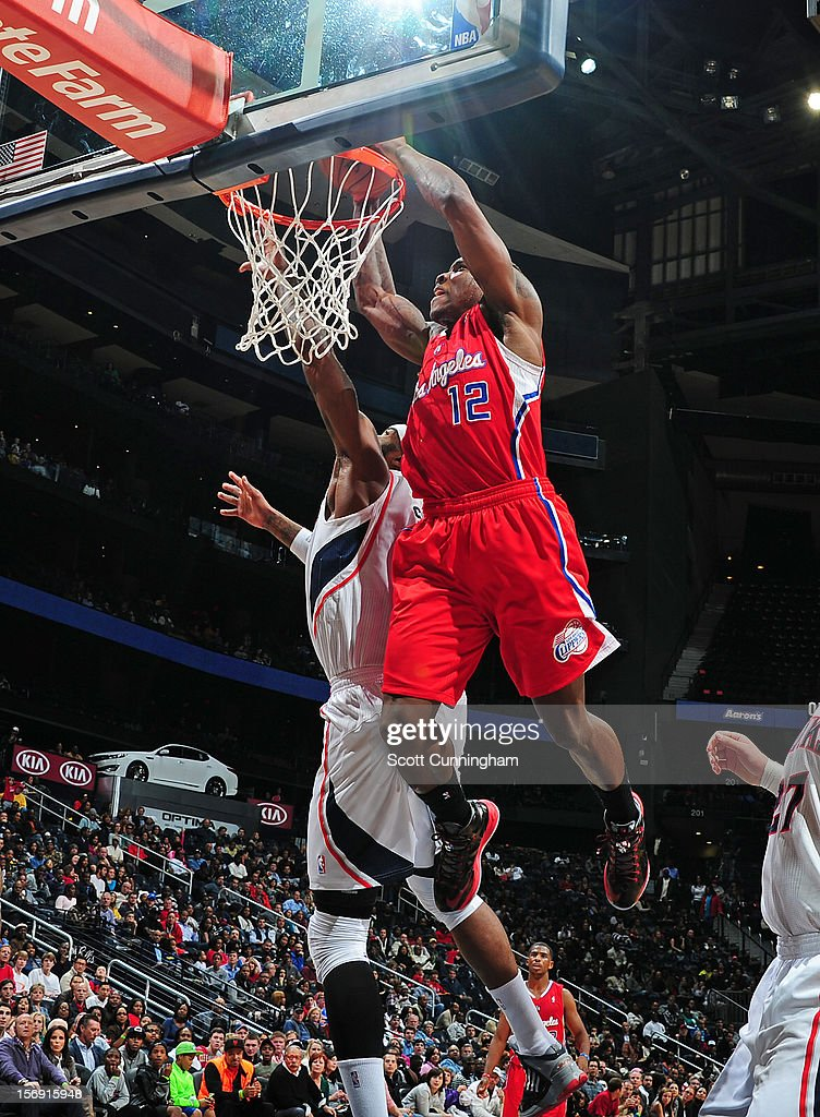 Eric Bledsoe #12 of the Los Angeles Clippers dunks the ball vs the Atlanta Hawks at the Philips Arena on November 24, 2012 in Atlanta, Georgia.