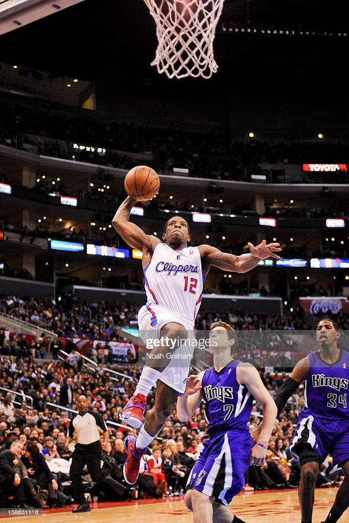 Eric Bledsoe #12 of the Los Angeles Clippers rises for a dunk against the Sacramento Kings at Staples Center on December 21, 2012 in Los Angeles, California.