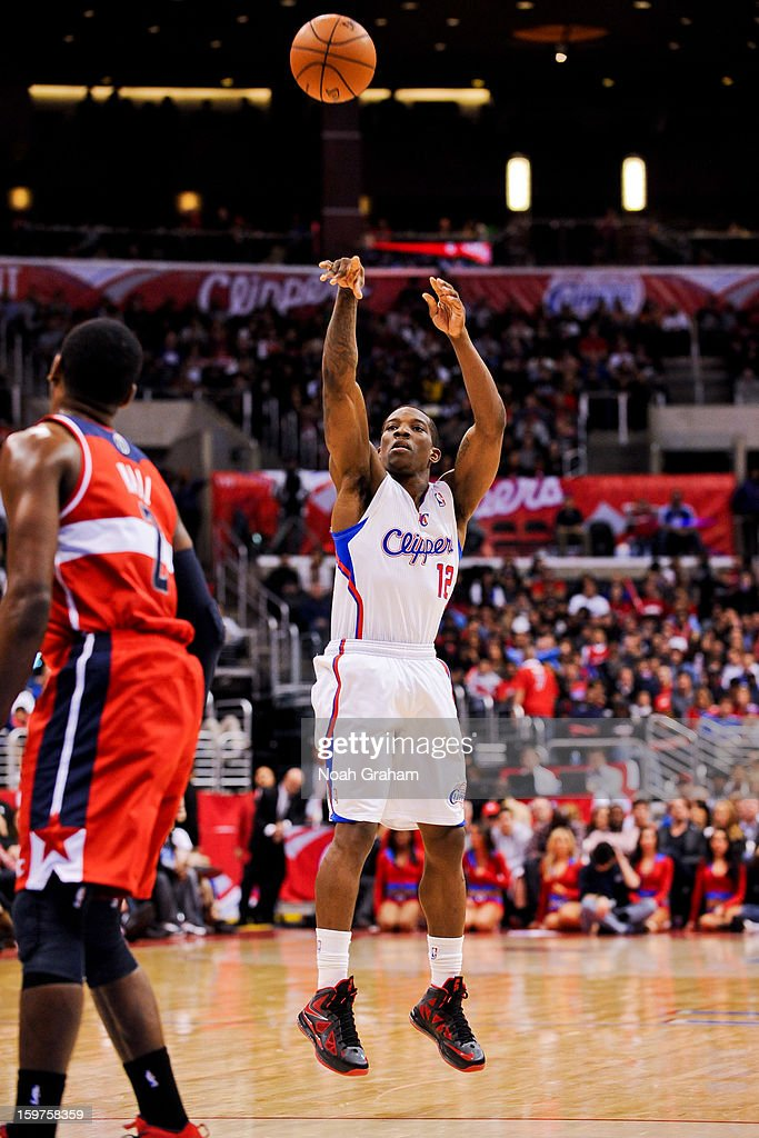 Eric Bledsoe #12 of the Los Angeles Clippers shoots a three-pointer against the Washington Wizards at Staples Center on January 19, 2013 in Los Angeles, California.