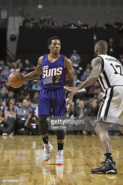 Eric Bledsoe of the Phoenix Suns dribbles the ball against the San Antonio Spurs as part of NBA Global Games at Arena Ciudad de Mexico on January 14...