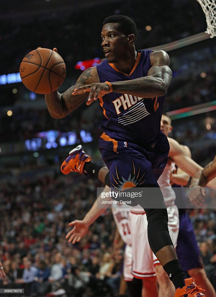 <a gi-track='captionPersonalityLinkClicked' href=/galleries/search?phrase=Eric+Bledsoe&family=editorial&specificpeople=6480906 ng-click='$event.stopPropagation()'>Eric Bledsoe</a> #2 of the Phoenix Suns passes after grabbing a rebound against the Chicago Bulls at the United Center on December 7, 2015 in Chicago, Illinois. The Suns defeated the Bulls 103-101.