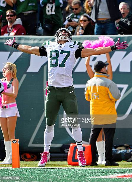 Eric Decker of the New York Jets celebrates a first down reception during the first quarter against the Washington Redskins at MetLife Stadium on...