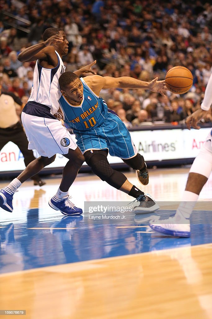 <a gi-track='captionPersonalityLinkClicked' href=/galleries/search?phrase=Eric+Gordon&family=editorial&specificpeople=4212733 ng-click='$event.stopPropagation()'>Eric Gordon</a> #10 of the New Orleans Hornets drives to the basket against the Dallas Mavericks on January 05, 2012 at the American Airlines Center in Dallas, Texas.