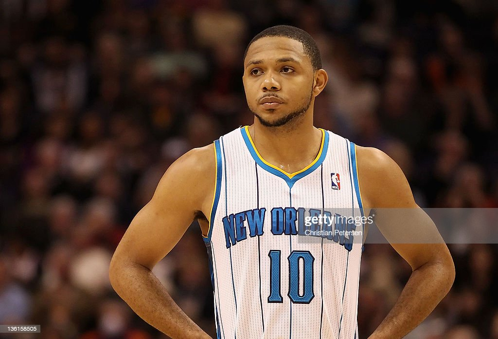 <a gi-track='captionPersonalityLinkClicked' href=/galleries/search?phrase=Eric+Gordon&family=editorial&specificpeople=4212733 ng-click='$event.stopPropagation()'>Eric Gordon</a> #10 of the New Orleans Hornets during the season openning NBA game against the Phoenix Suns at US Airways Center on December 26, 2011 in Phoenix, Arizona. The Hornets defeated the Suns 85-84.