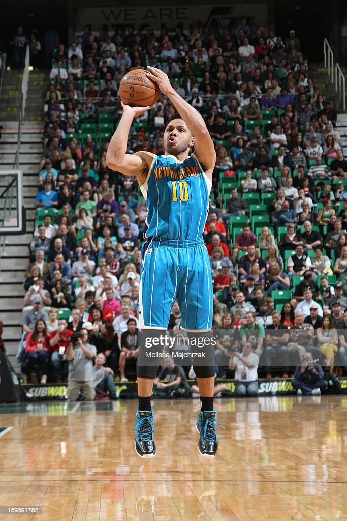 <a gi-track='captionPersonalityLinkClicked' href=/galleries/search?phrase=Eric+Gordon&family=editorial&specificpeople=4212733 ng-click='$event.stopPropagation()'>Eric Gordon</a> #10 of the New Orleans Hornets shoots a three pointer against the Utah Jazz at Energy Solutions Arena on April 5, 2013 in Salt Lake City, Utah.