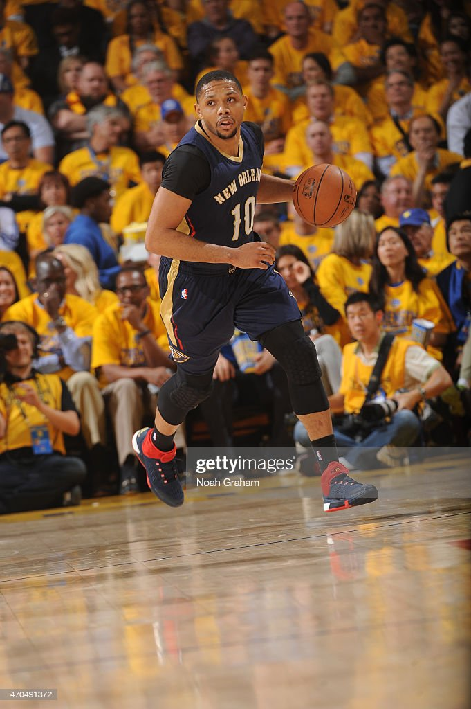 <a gi-track='captionPersonalityLinkClicked' href=/galleries/search?phrase=Eric+Gordon&family=editorial&specificpeople=4212733 ng-click='$event.stopPropagation()'>Eric Gordon</a> #10 of the New Orleans Pelicans dribbles while facing the Golden State Warriors in Game Two of the Western Conference Quarterfinals during the NBA Playoffs on April 20, 2015 at Oracle Arena in Oakland, California.