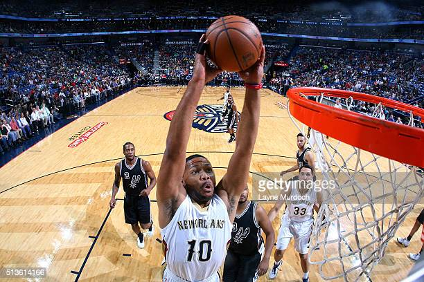 Eric Gordon of the New Orleans Pelicans goes for the dunk during the game against the San Antonio Spurs on March 3 2016 at the Smoothie King Center...