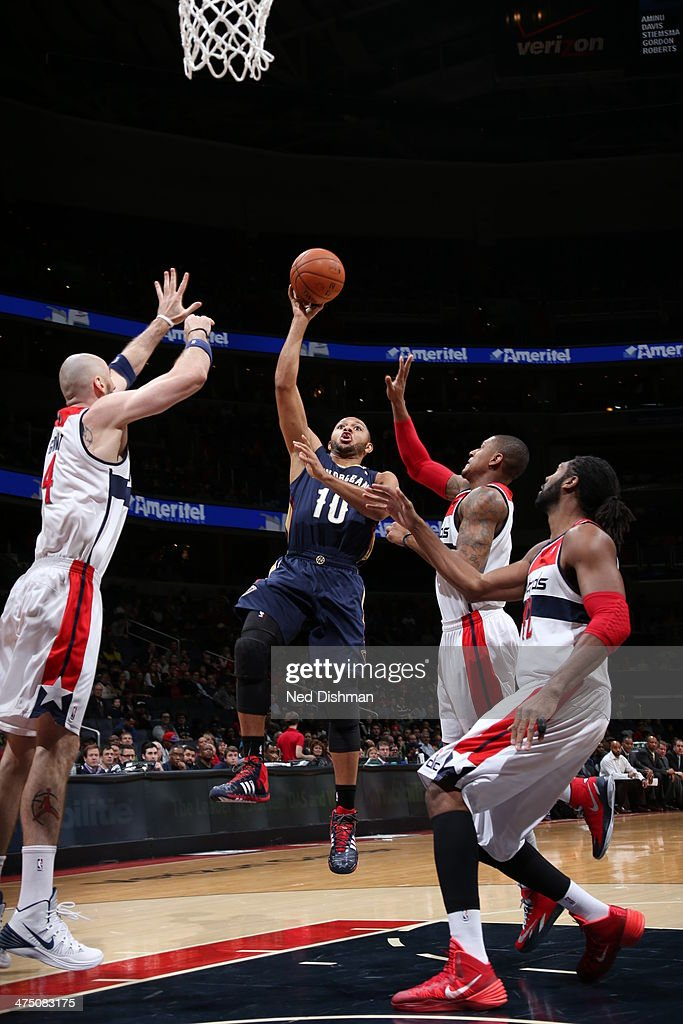 <a gi-track='captionPersonalityLinkClicked' href=/galleries/search?phrase=Eric+Gordon+-+Basketball+Player&family=editorial&specificpeople=4212733 ng-click='$event.stopPropagation()'>Eric Gordon</a> #10 of the New Orleans Pelicans shoots against the Washington Wizards at the Verizon Center on February 22, 2014 in Washington, DC.