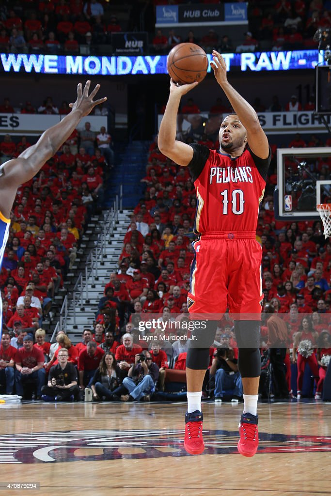 <a gi-track='captionPersonalityLinkClicked' href=/galleries/search?phrase=Eric+Gordon&family=editorial&specificpeople=4212733 ng-click='$event.stopPropagation()'>Eric Gordon</a> #10 of the New Orleans Pelicans takes a shot against the Golden State Warriors during Game Three of the Western Conference Quarterfinals of the 2015 NBA Playoffs on April 23, 2015 at Smoothie King Center in New Orleans, Louisiana.