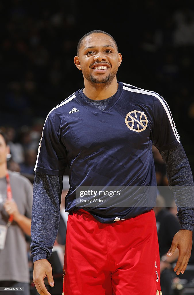 Eric Gordon #10 of the New Orleans Pelicans warms up before facing the Golden State Warriors on December 17, 2013 at Oracle Arena in Oakland, California.