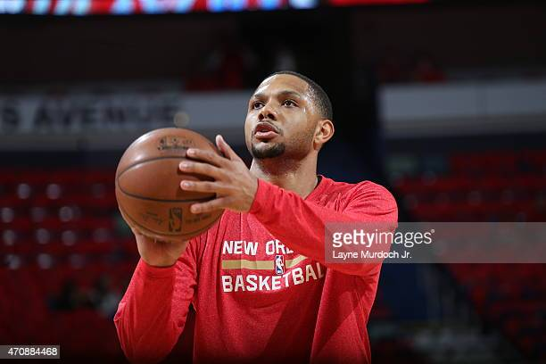 Eric Gordon of the New Orleans Pelicans warms up before the game against the Golden State Warriors during Game Three of the Western Conference...