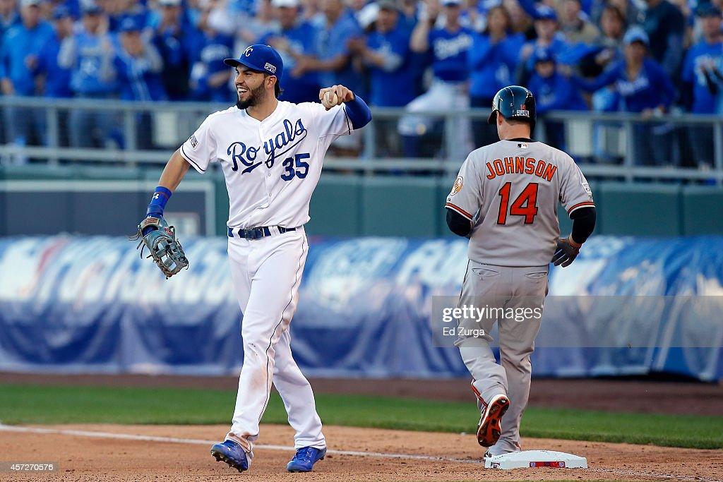 Eric Hosmer #35 of the Kansas City Royals reacts after Kelly Johnson #14 of the Baltimore Orioles grounds out in eighth inning during Game Four of the American League Championship Series at Kauffman Stadium on October 15, 2014 in Kansas City, Missouri.