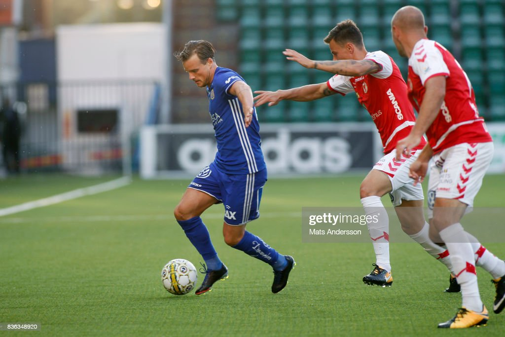 Eric Larsson of GIF Sundsvall and Melker Hallberg of Kalmar FF during the Allsvenskan match between GIF Sundsvall and Kalmar FF at Idrottsparken on August 21, 2017 in Sundsvall, Sweden.