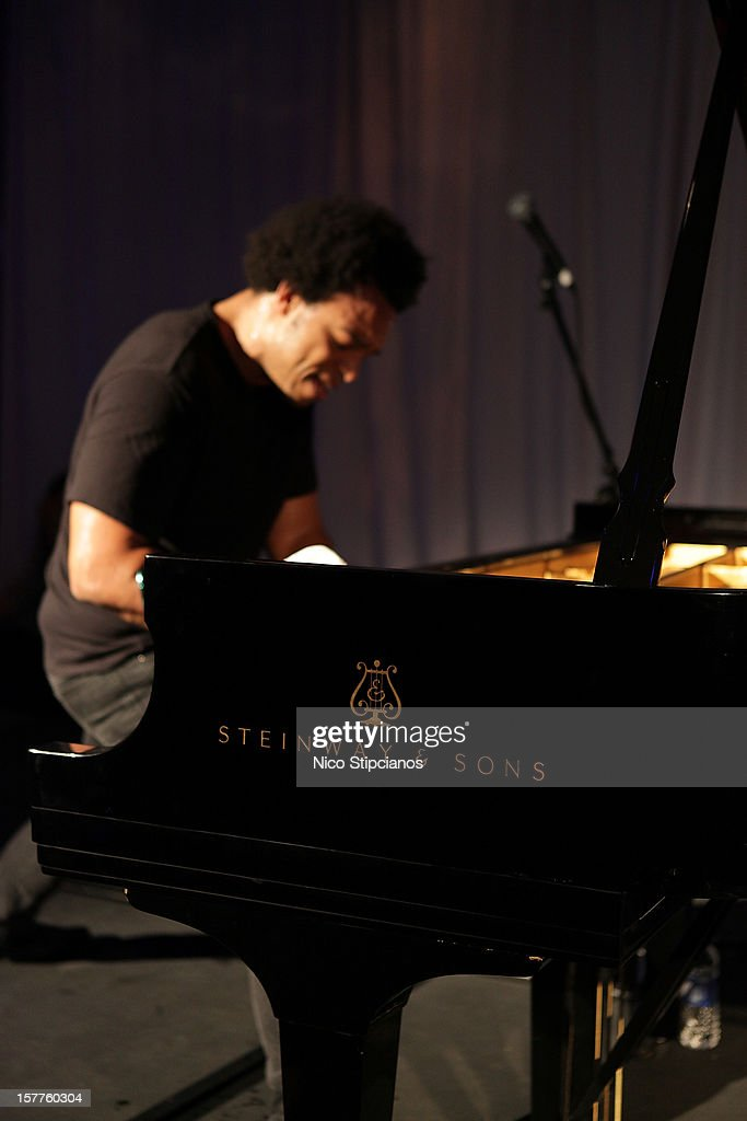 Eric Lewis ELEW performs on stage at at The Perry on December 5, 2012 in Miami Beach, Florida.