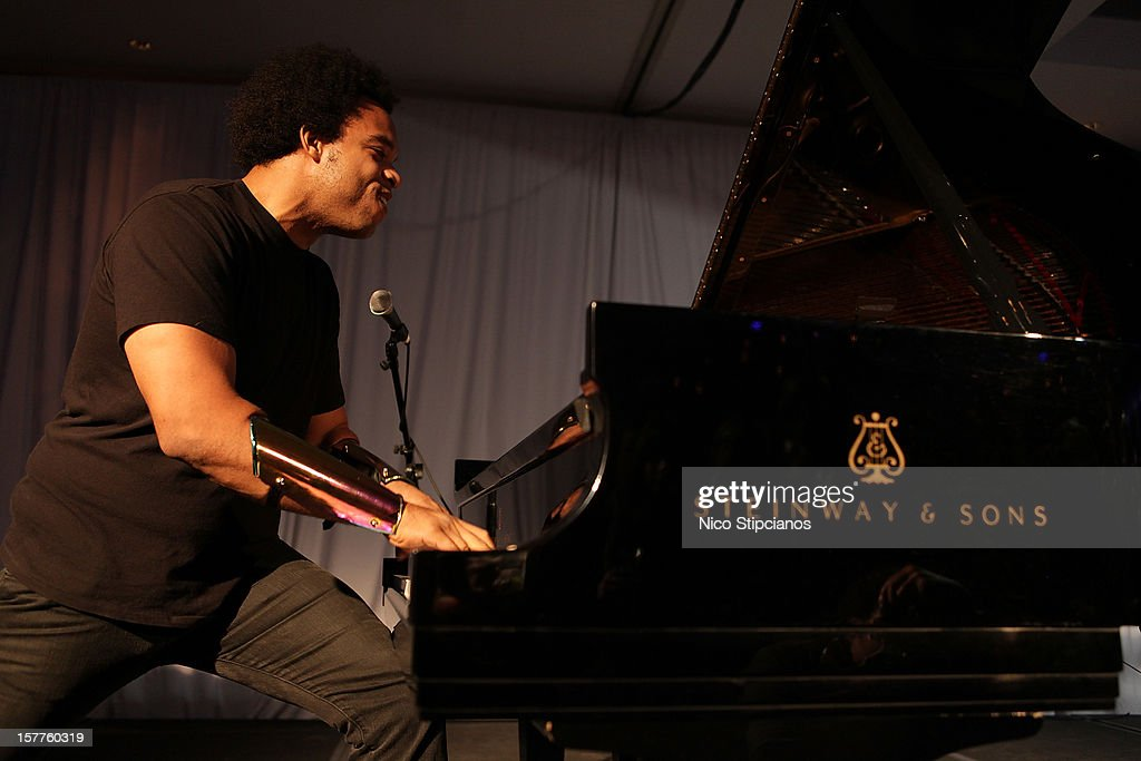 Eric Lewis ELEW performs on stage at The Perry on December 5, 2012 in Miami Beach, Florida.