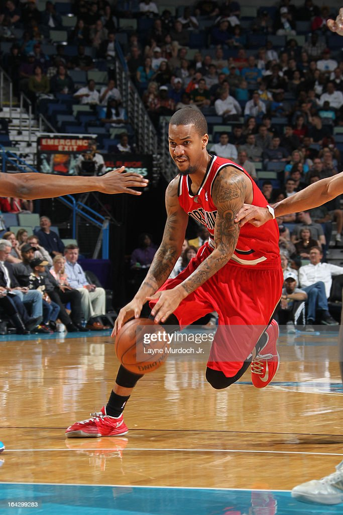 <a gi-track='captionPersonalityLinkClicked' href=/galleries/search?phrase=Eric+Maynor&family=editorial&specificpeople=4194194 ng-click='$event.stopPropagation()'>Eric Maynor</a> #6 of the Portland Trail Blazers drives to the basket against the New Orleans Hornets on March 10, 2013 at the New Orleans Arena in New Orleans, Louisiana.