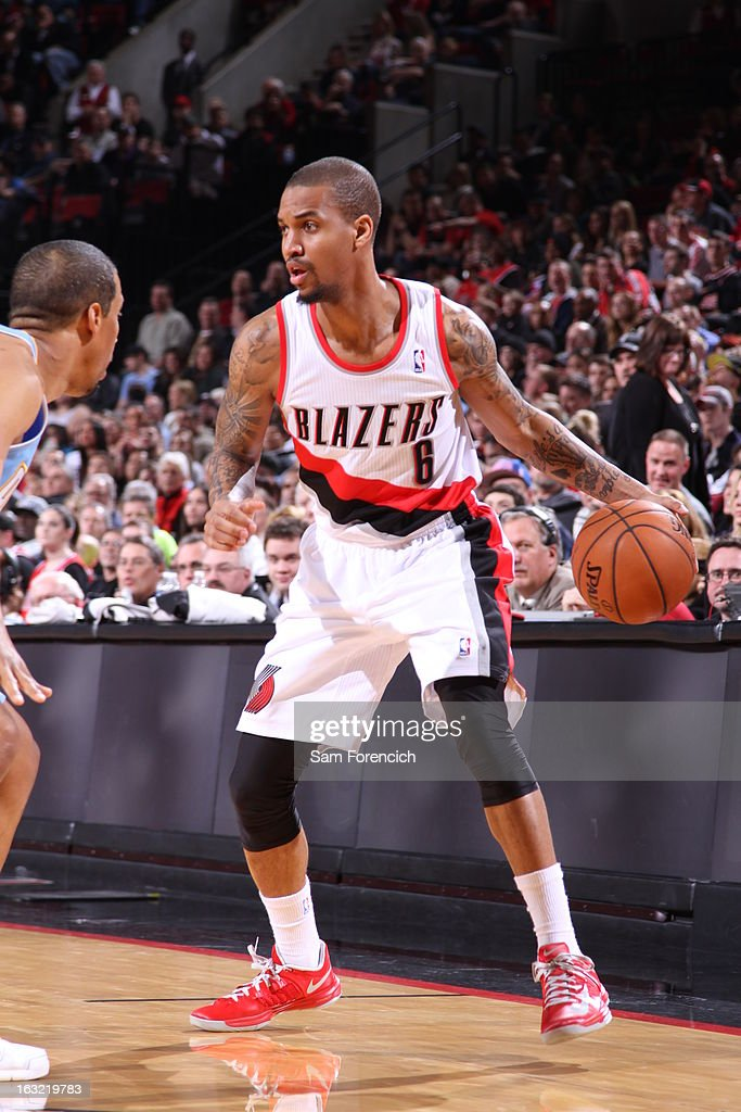 <a gi-track='captionPersonalityLinkClicked' href=/galleries/search?phrase=Eric+Maynor&family=editorial&specificpeople=4194194 ng-click='$event.stopPropagation()'>Eric Maynor</a> #6 of the Portland Trail Blazers looks to drive to the basket against the Denver Nuggets on February 27, 2013 at the Rose Garden Arena in Portland, Oregon.