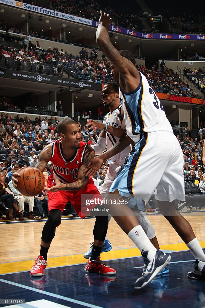 <a gi-track='captionPersonalityLinkClicked' href=/galleries/search?phrase=Eric+Maynor&family=editorial&specificpeople=4194194 ng-click='$event.stopPropagation()'>Eric Maynor</a> #6 of the Portland Trail Blazers looks to drive to the basket against the Memphis Grizzlies on March 6, 2013 at FedExForum in Memphis, Tennessee.