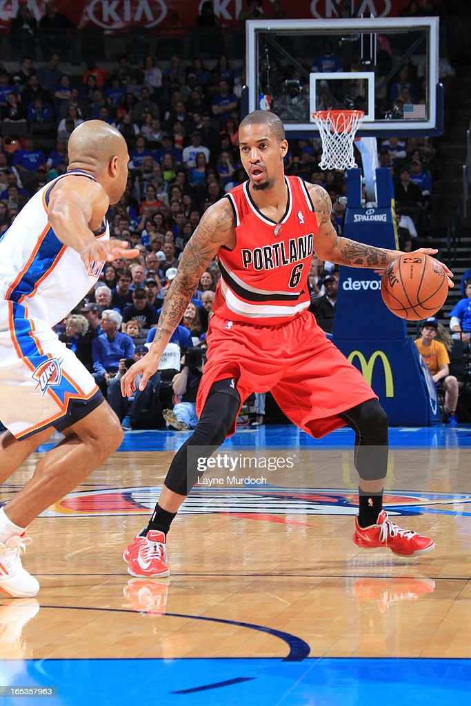 <a gi-track='captionPersonalityLinkClicked' href=/galleries/search?phrase=Eric+Maynor&family=editorial&specificpeople=4194194 ng-click='$event.stopPropagation()'>Eric Maynor</a> #6 of the Portland Trail Blazers looks to drive to the basket against the Oklahoma City Thunder on March 24, 2013 at the Chesapeake Energy Arena in Oklahoma City, Oklahoma.