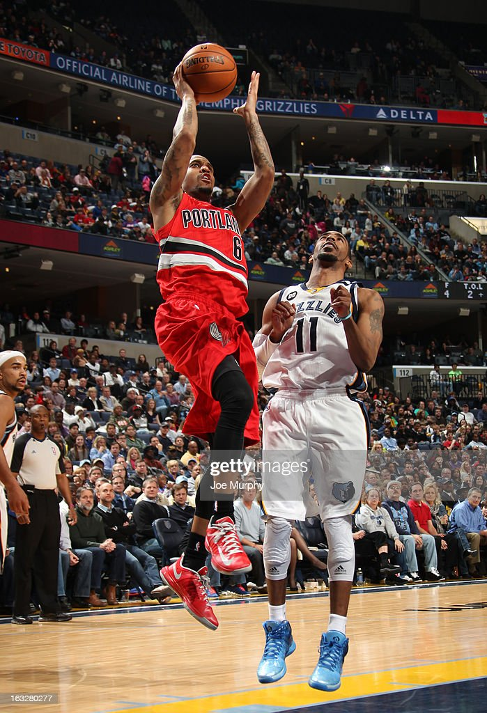 <a gi-track='captionPersonalityLinkClicked' href=/galleries/search?phrase=Eric+Maynor&family=editorial&specificpeople=4194194 ng-click='$event.stopPropagation()'>Eric Maynor</a> #6 of the Portland Trail Blazers shoots against Mike Conley #11 of the Memphis Grizzlies on March 6, 2013 at FedExForum in Memphis, Tennessee.