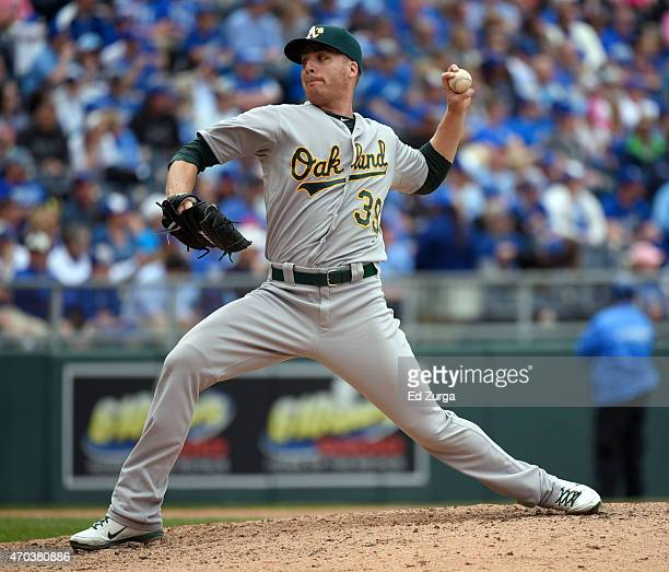 Eric O'Flaherty of the Oakland Athletics throws in the eighth inning against the Kansas City Royals on April 19 2015 at Kauffman Stadium in Kansas...
