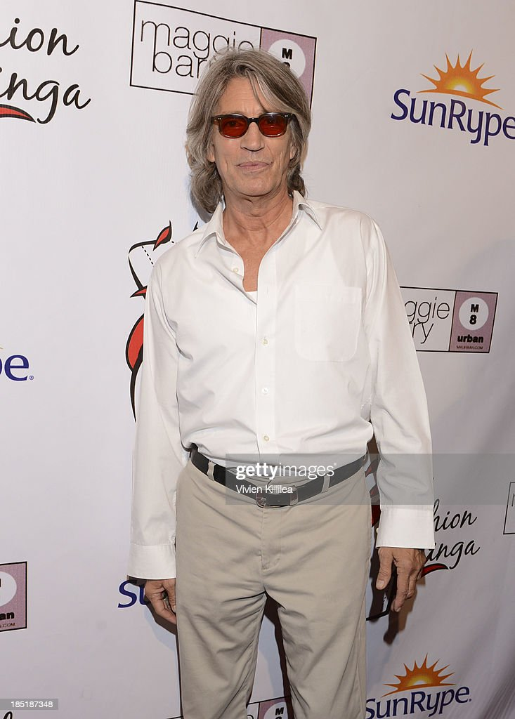 <a gi-track='captionPersonalityLinkClicked' href=/galleries/search?phrase=Eric+Roberts&family=editorial&specificpeople=224670 ng-click='$event.stopPropagation()'>Eric Roberts</a> attends Fashion Minga - Art.Music.Dance. at Exchange LA on October 17, 2013 in Los Angeles, California.