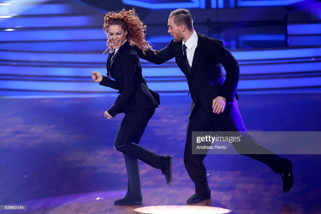 Eric Stehfesta and Oana Nechiti perform on stage during the 8th show of the television competition 'Let's Dance' on May 6, 2016 in Cologne, Germany.