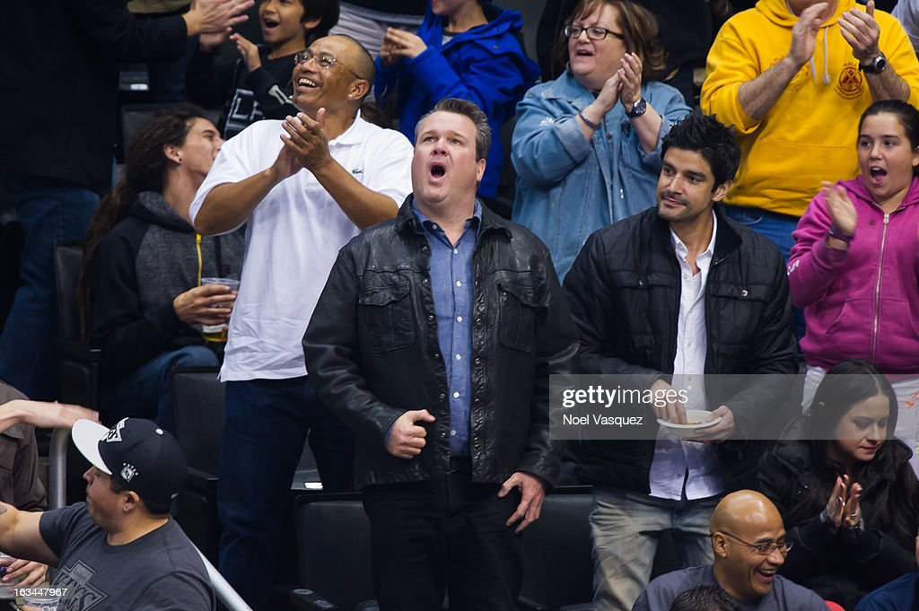 Eric Stonestreet attends a hockey game between the Calgary Flames and Los Angeles Kings at Staples Center on March 9, 2013 in Los Angeles, California.