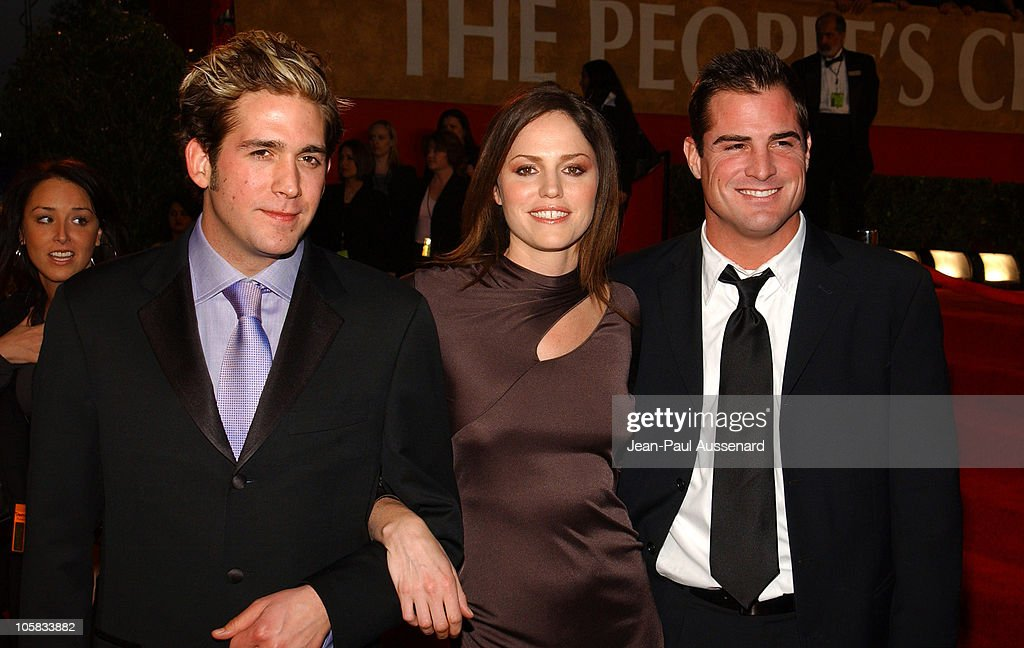 <a gi-track='captionPersonalityLinkClicked' href=/galleries/search?phrase=Eric+Szmanda&family=editorial&specificpeople=216396 ng-click='$event.stopPropagation()'>Eric Szmanda</a>, <a gi-track='captionPersonalityLinkClicked' href=/galleries/search?phrase=Jorja+Fox&family=editorial&specificpeople=209197 ng-click='$event.stopPropagation()'>Jorja Fox</a> and <a gi-track='captionPersonalityLinkClicked' href=/galleries/search?phrase=George+Eads&family=editorial&specificpeople=206447 ng-click='$event.stopPropagation()'>George Eads</a> during The 30th Annual People's Choice Awards - Arrivals at Pasadena Civic Auditorium in Pasadena, California, United States.