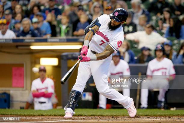 Eric Thames of the Milwaukee Brewers hits a single in the first inning against the New York Mets at Miller Park on May 14 2017 in Milwaukee Wisconsin...