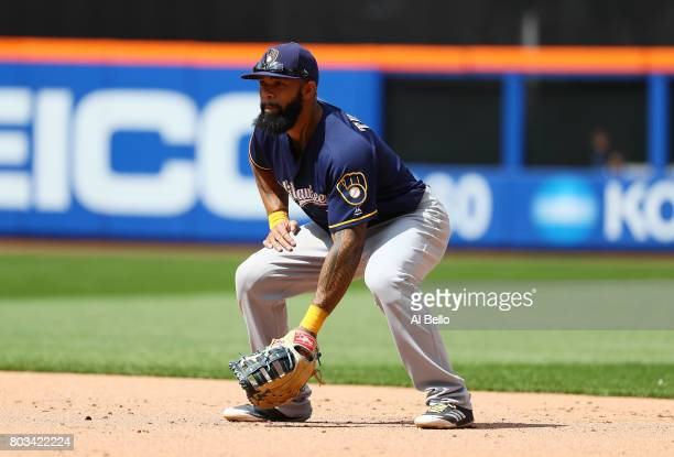 Eric Thames of the Milwaukee Brewers in action against the New York Mets during their game at Citi Field on June 1 2017 in New York City