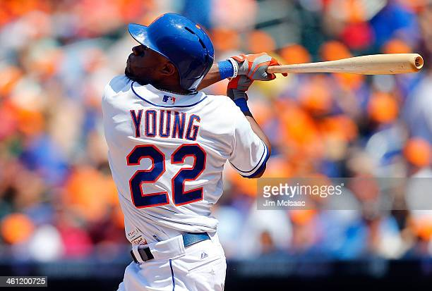 Eric Young Jr #22 of the New York Mets in action against the Washington Nationals at Citi Field on June 29 2013 in the Flushing neighborhood of the...