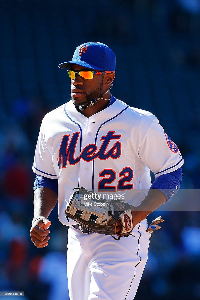 Eric Young Jr. #22 of the New York Mets in action against the Atlanta Braves at Citi Field on April 20, 2014 in the Flushing neighborhood of the Queens borough of New York City. Mets defeated the Braves 4-3 in the fourteenth inning.