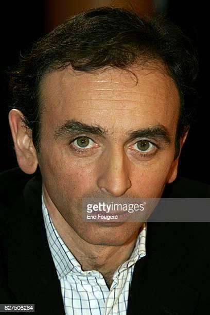 Eric Zemmour on the set of TV show 'Vol de Nuit'