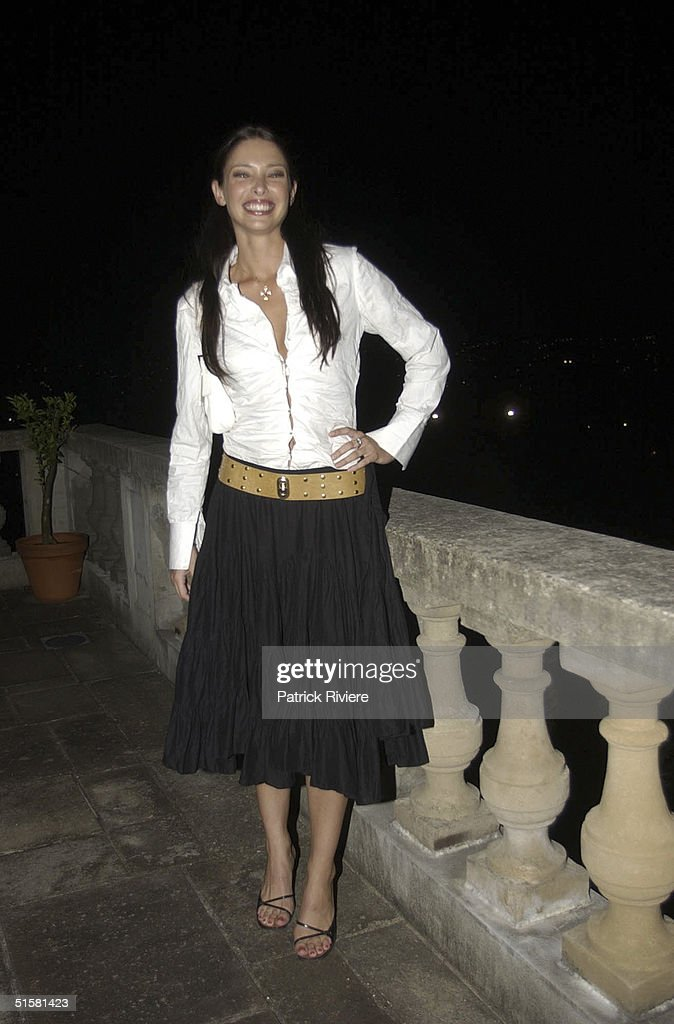 APR 2002 - Erica Baxter, former model and new singer at the 2002 Vin de Champagne Awards at the French Trade Commissioners House.