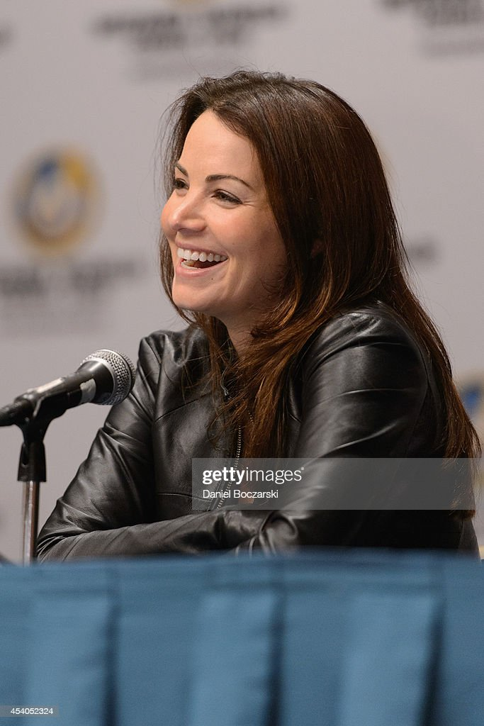 Erica Durance attends Wizard World Chicago Comic Con 2014 at Donald E. Stephens Convention Center on August 23, 2014 in Chicago, Illinois.