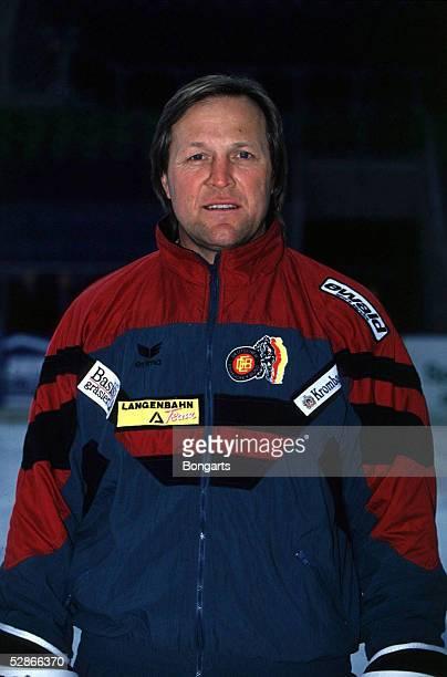 EISHOCKEY 14495 Erich KUEHNHACKL Eishockeytrainer