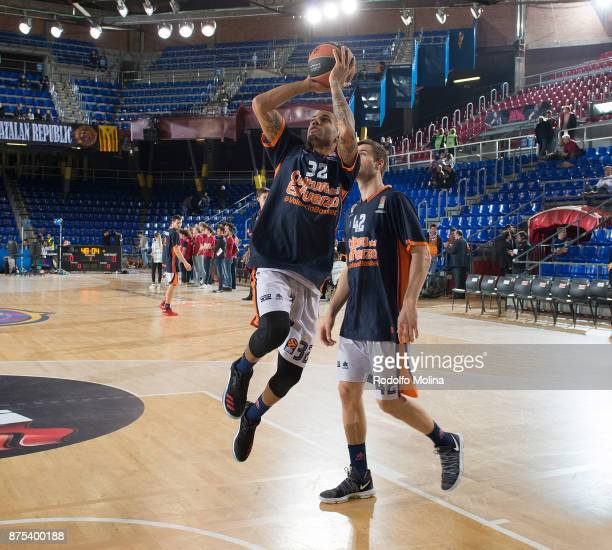 Erick Green #32 of Valencia Basket warm up prior the 2017/2018 Turkish Airlines EuroLeague Regular Season Round 8 game between FC Barcelona Lassa and...